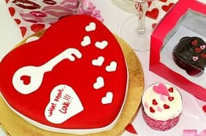 Valentines Decorated Cake